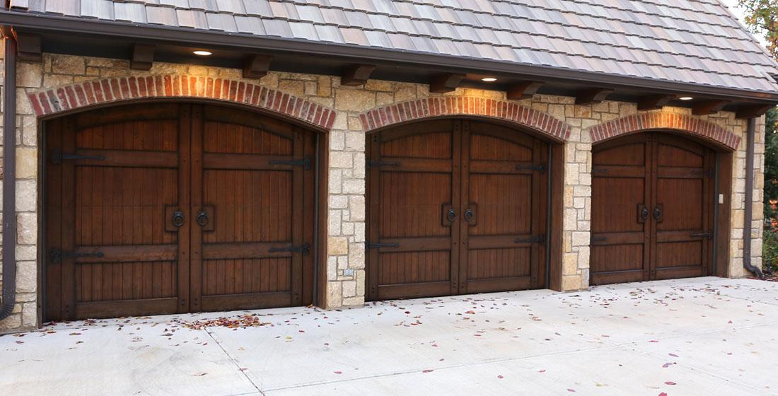 Faux wood garage doors fauxkc for Faux wood finish garage door